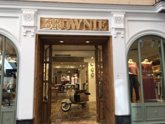 Brownie Sevilla front